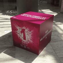 Telekom oszlop és kockadekor - fóliázás